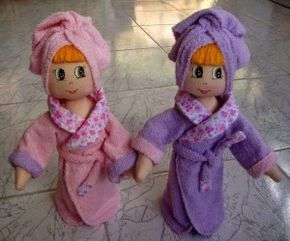 Preciosas Muñecas de tela con albornoz.