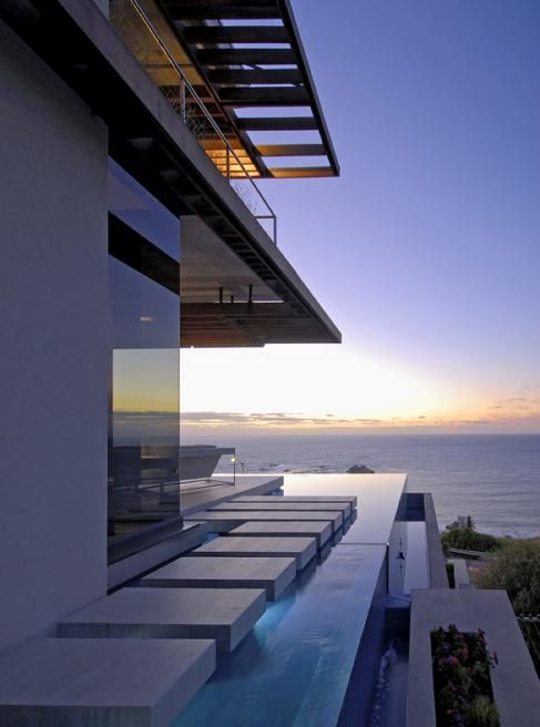 Kloof 151 residence cape town south africa by saota and for Beach house design cape town