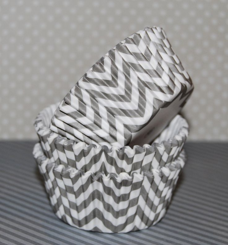 Gray Chevron cupcake liners (75) - baking cups muffin cups greaseproof cupcake papers cupcake wrappers zigzag cup cake papers by swigshoppe on Etsy https://www.etsy.com/listing/117938780/gray-chevron-cupcake-liners-75-baking