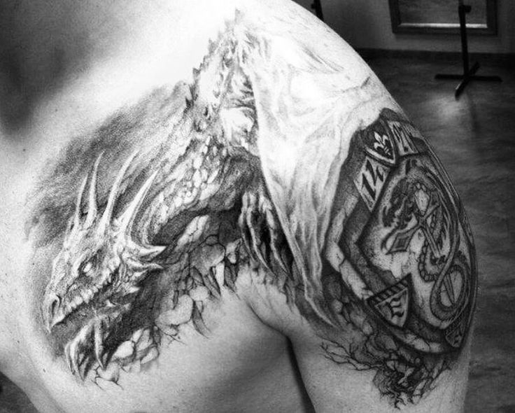 Photo by (j_ross_at) on Instagram |  #anstich, #tattoo, #ross, #wenzenbach, #regensburg, #ink, #inked,  #carbonblack, #tattoos, #dragontattoo, #freehandtattoo