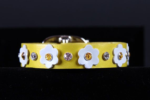 Pineapple Pearl Dog Collar w White Flowers by JustForBella on Etsy, $56.00