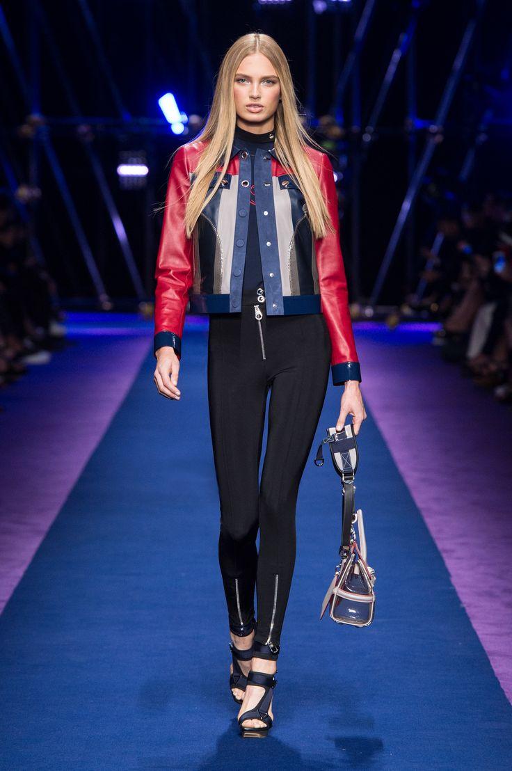 #Versace Women's Spring Summer 2017 show – Look 30