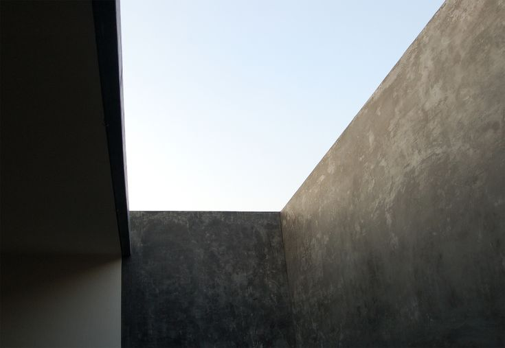 A Place of Meaning | Assemble Papers by Sara Savage. The inner surfaces of Studio Mumbai's Tara House (2005) in Maharashta, India, are made from stone, wood and burnished plaster. Photo: Studio Mumbai.
