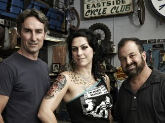 AMERICAN PICKERS.  Mike Wolfe, Danielle Colby Cushman and Frank Fritz.
