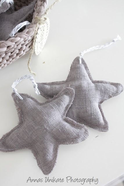 burlap stars, would be cute with red gingham hearts for a Christmas tree theme.