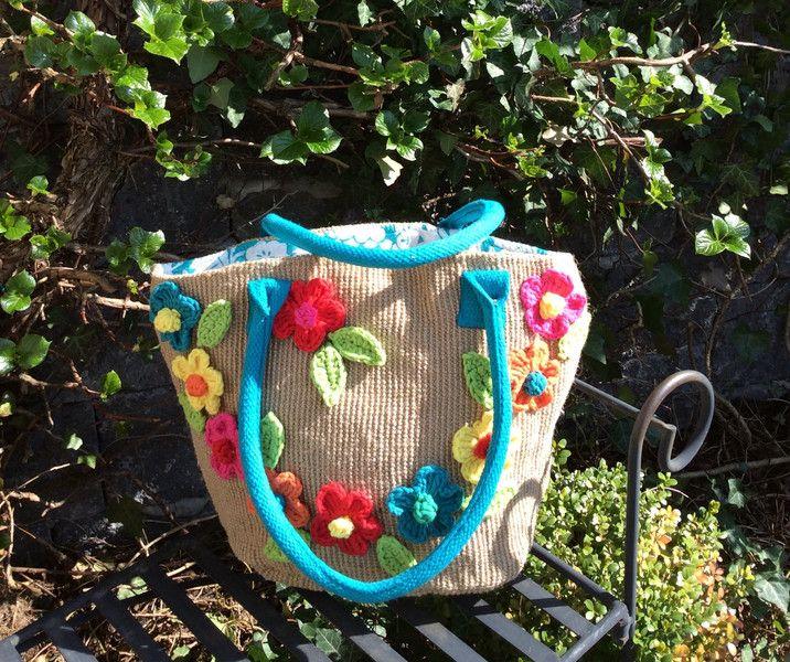 Schultertaschen - Frühlingstasche, Jutetasche - ein Designerstück von Lotti-Geli bei DaWanda