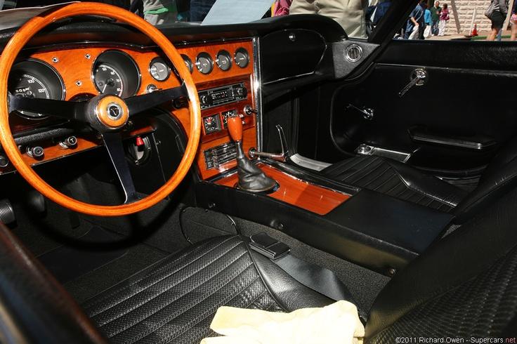Toyota 2000 dash