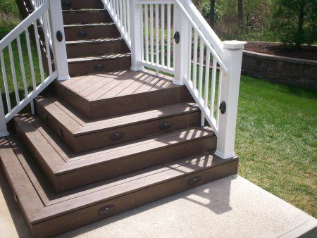 Best Deck Stairs Love How These Stairs End W The Two Sided 400 x 300