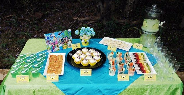 Adventure Time Eats & Treats Table