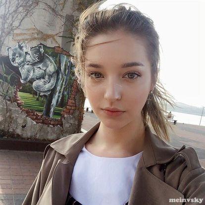 美少女モデル(Angelina Danilova)