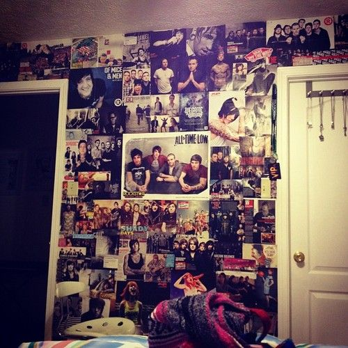 wall of posters i love all these of mice men all time low sleeping with sirens and like a. Black Bedroom Furniture Sets. Home Design Ideas