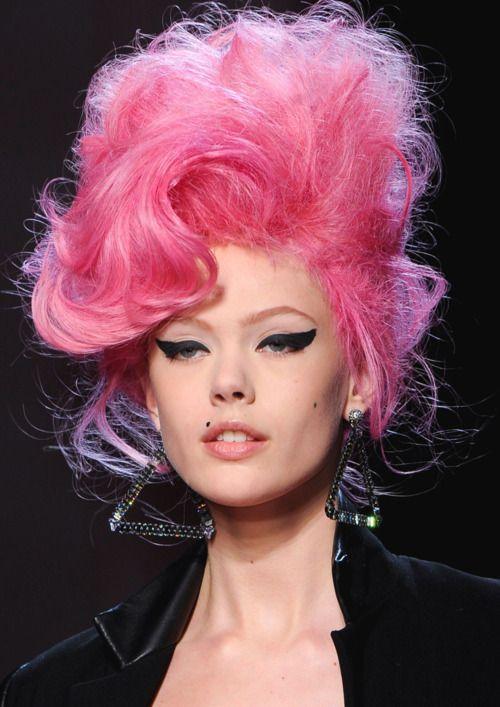 206 besten pink hair bilder auf pinterest frisuren rosa haare und gef rbte haare. Black Bedroom Furniture Sets. Home Design Ideas