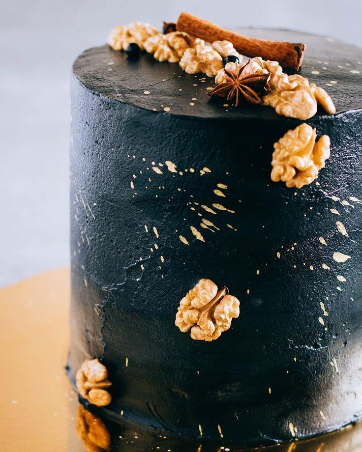 6 отметок «Нравится», 2 комментариев — Galina Malinka (@curlyraspberry) в Instagram: «Сегодняшний тортик на день рождения, друга детства!) Брутальный, космический, и очень морковный!…»