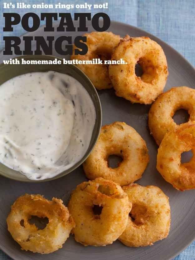Fríe anillos rebozados de puré de papa, perfectamente dorados y listos para ser remojados.