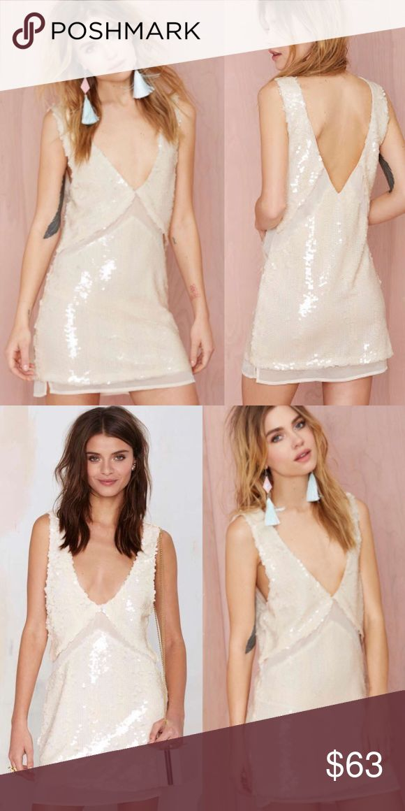 Love Hangover Sequin Dress Cream colored sequins are the best kind of sequins, this sleeveless cream sequined dress has big sequins and mesh along the waist ✨ perfect for a night out, in perfect condition and it has no stretch ❤️ Nasty Gal Dresses Mini