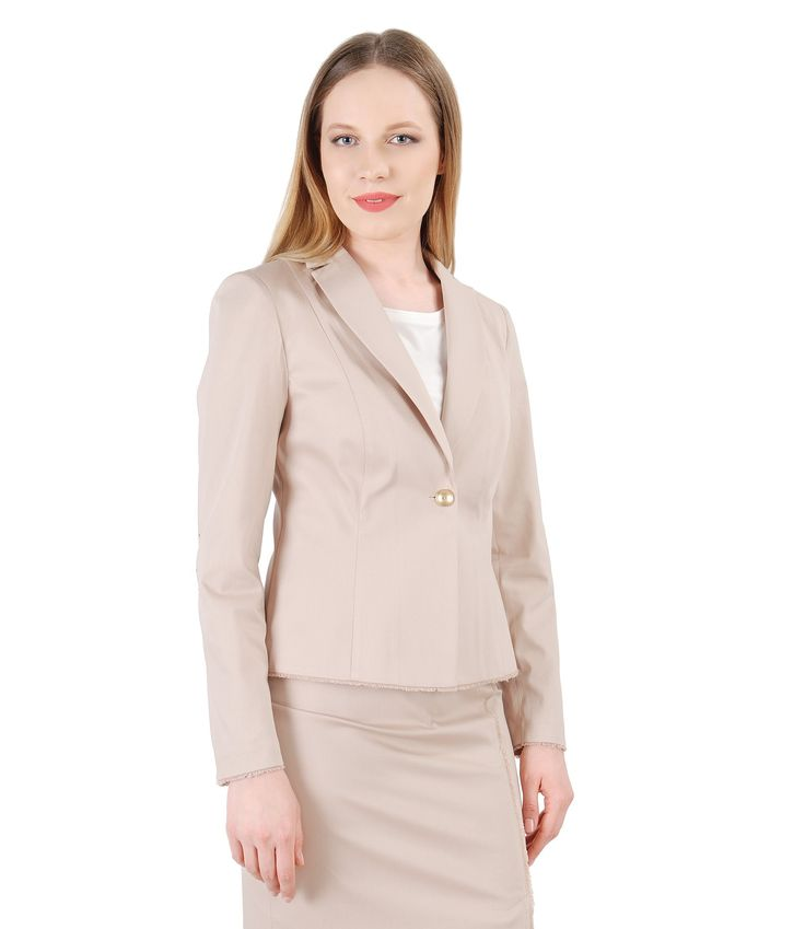 Beige, the most versatile color of the season! Spring17 | YOKKO #jacket #business #workwear #fashion #beige #style #women #spring17 #yokko