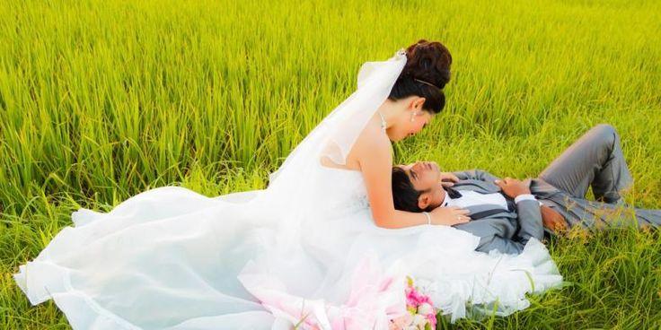 engalaman malam pertama sepasang pengantin baru di Irak punya sisi lain yang tak akan terlupakan saat Pasukan Khusus Irak mendobrak pintu depan rumah mereka di Baghdad. Pengantin perempuan langsung pingsan dan pasukan komando itu mengatakan kepada sang suami bahwa ia ditahan. Tuduhannya adalah dia merupakan anggota kelompok teroris ISIS. Polisi telah diinformasikan oleh seorang perempuan…