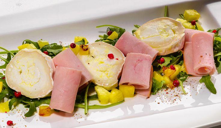 Salată cu Sissi șuncă de curcan și ananas