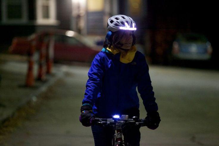 El casco de la bicicleta Lumos está diseñado para mejorar la seguridad de la noche pilotos