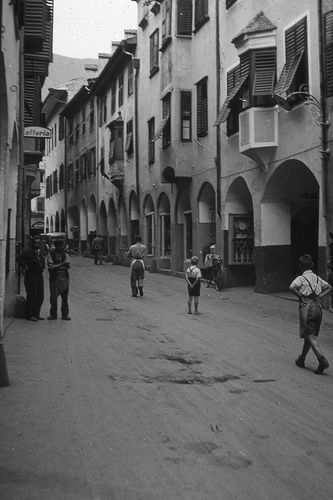 Merano (Italy), Via Portici, 1938 #TuscanyAgriturismoGiratola