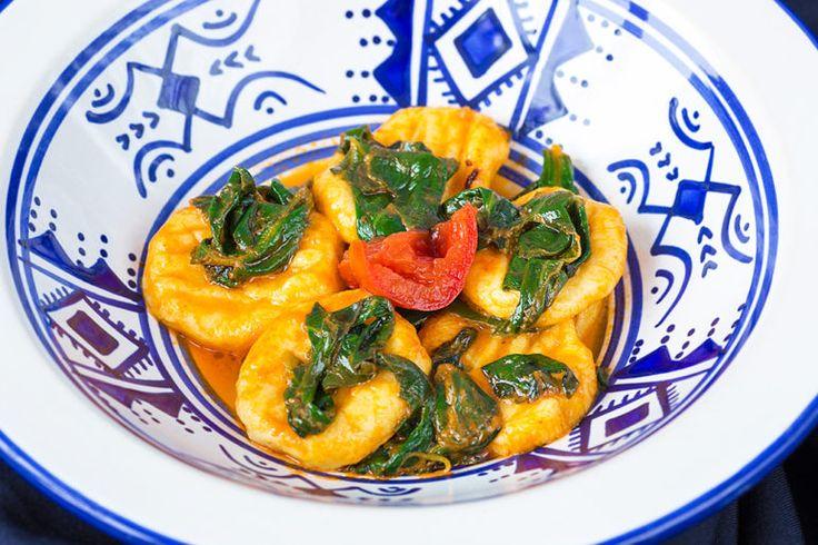 Ньокки со шпинатом и томатным соусом, ссылка на рецепт - https://recase.org/nokki-so-shpinatom-i-tomatnym-sousom/  #Овощи #блюдо #кухня #пища #рецепты #кулинария #еда #блюда #food #cook