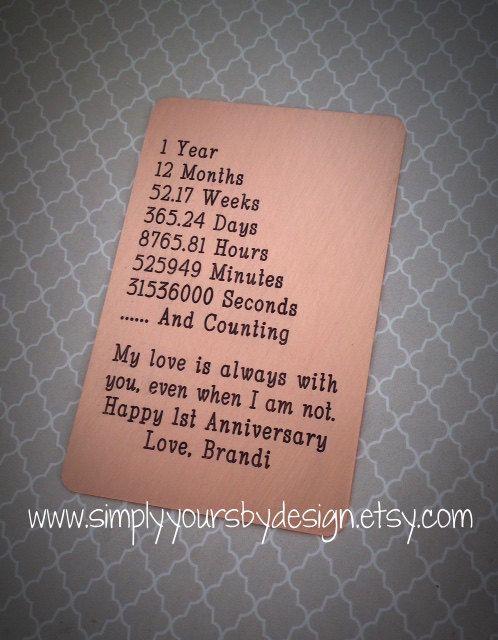 Nos inserts de carte portefeuille en métal sont entièrement personnalisés avec votre propre texte. Un grand cadeau pour un anniversaire, jour de mariage ou toute occasion spéciale ! Choisissez parmi les métaux cuivre, laiton et nickel. Chaque carte est les mêmes dimensions quune carte de crédit réelle. Fait de métal épais qui sintègre parfaitement dans un portefeuille. Toutes les cartes sont joliment emballé, prêt à donner. -Si vous commandez un compte à rebours anniversaire - ⬇️ Comme su...
