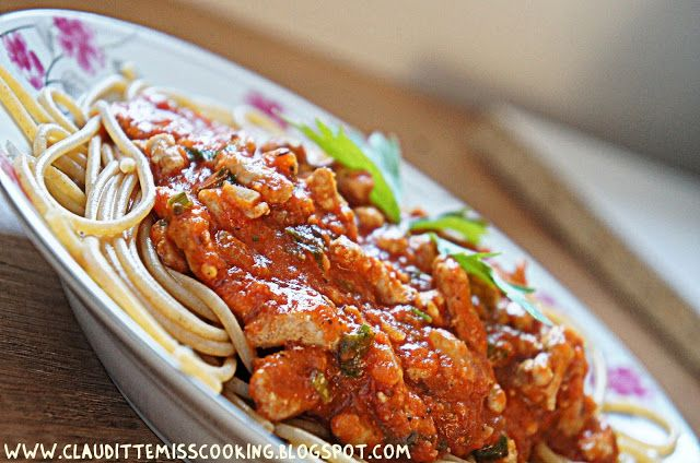 Clauditte Miss Cooking: Spaghetti pełnoziarniste z mięsem wołowym i sosem ...