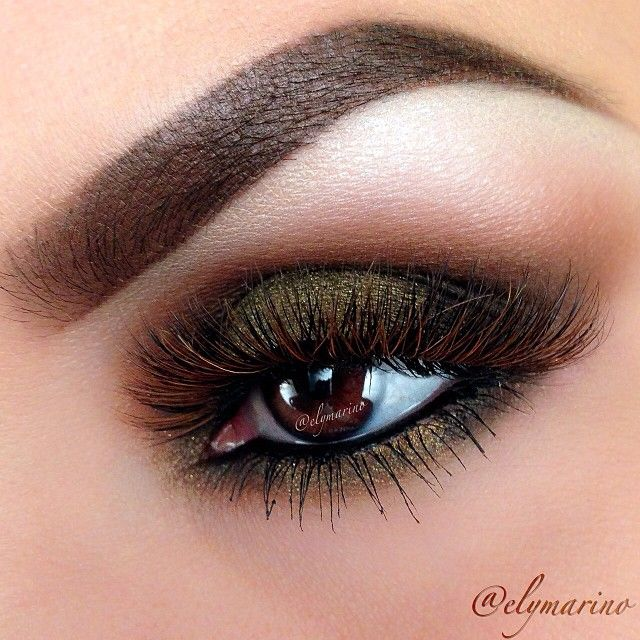 "Close up here's a #Repost of a look I did awhile ago, using one of my all time favorite lashes ""Kylie"" from @Flutterlashesinc and @Lani Lee Stell shadows in Cocoa Bear, Corrupt"