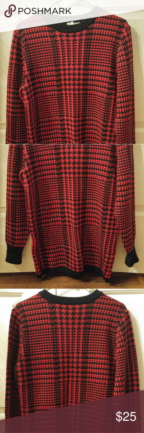Vintage Anne Klein Plaid Pullover Wool Sweater In good Pre-owned vintage condition. Cuffs had been folded up which is why there is a crease. Anne Klein Sweaters Crew & Scoop Necks