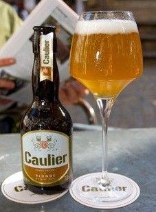 Cerveja Caulier Blonde, estilo Belgian Blond Ale, produzida por Brasserie Caulier, Bélgica. 6.8% ABV de álcool.