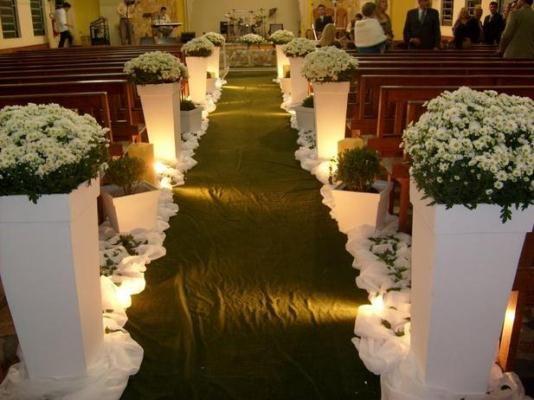 Decoração de casamento de igreja simples.1