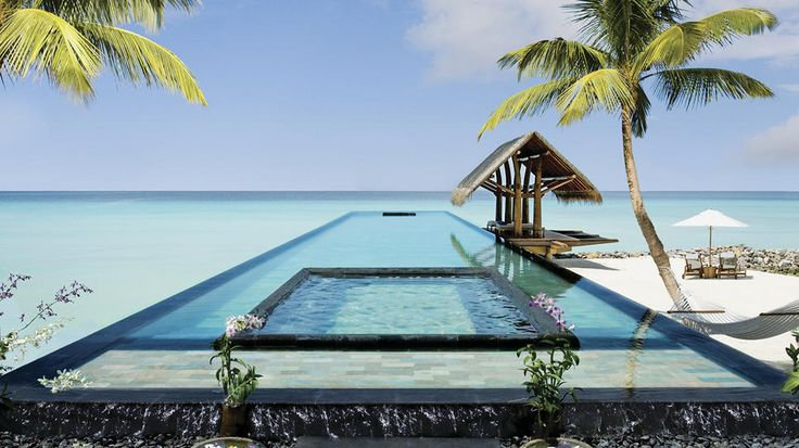Reethi Rah Resort-A delightful place where tropical luxury is a natural part