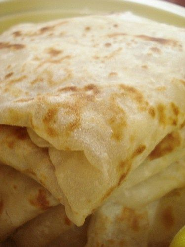 Farata, the Mauritian derivative of paratha, is a kind of layered pan fried flat bread. It ispart of our rich cultural heritageand is now deeply rooted inMauritiancuisine along with its counter…