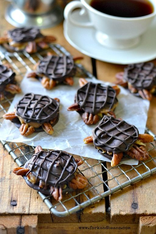 Vegan Chocolate Turtles - Dark chocolate, date caramel and pecans. What more could you want?