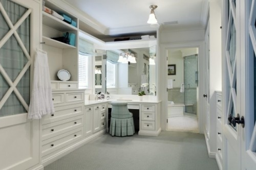 Love this dressing area!