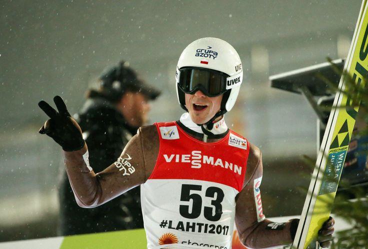 Piotr Żyła zdobył brązowy medal mistrzostw świata na dużej skoczni w Lahti. Wszyscy Polacy uplasowali się w czołowej dziesiątce.
