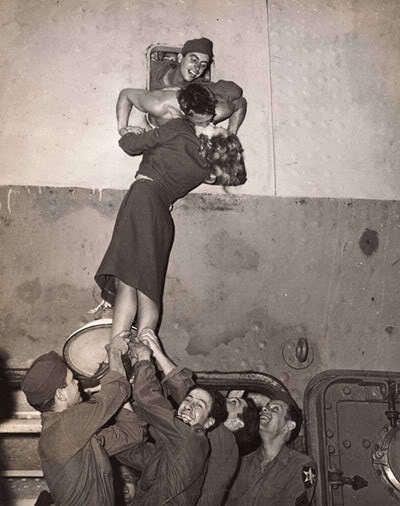 When guys were like this....        The one guy who could look right up her skirt is gentlemanly enough to look away! Everything about this picture I love <3