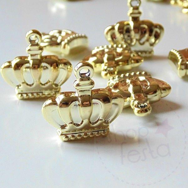 Aplique Coroa Dourada.Aplique Coroa Dourada é perfeito para convites, lembrancinhas e decoração de festas. Viva a Rainha!