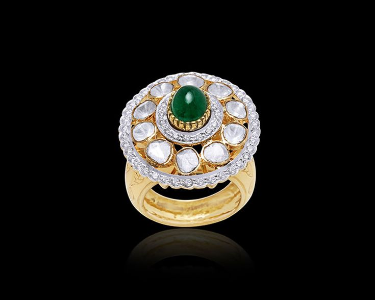Beautiful uncut ring in yellow gold ring, is a perfect jewel to adorn this season.