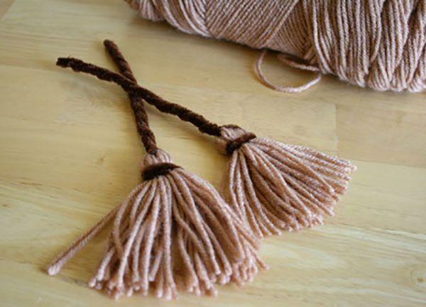 Scopa della Befana con lana e scovolino