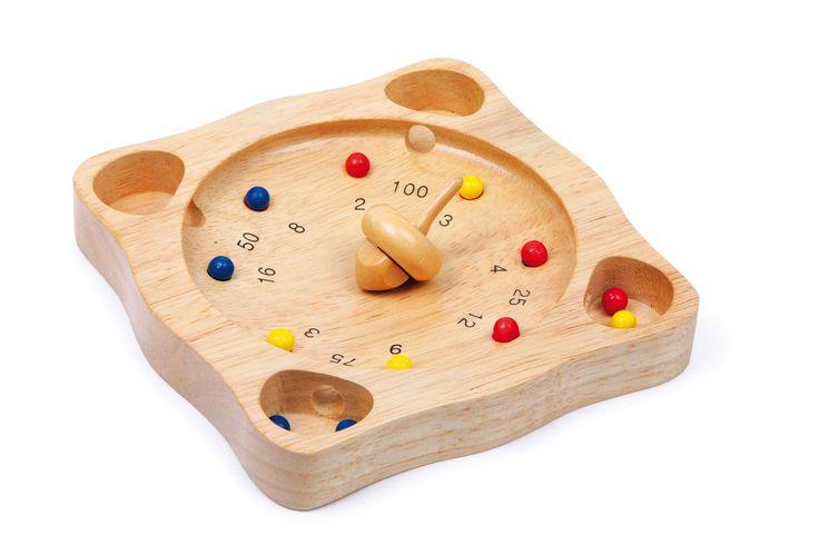 Een kleine uitgave van het populaire roulettespel met tol en houten kogeltjes. Het speelbord van stevig massief hout bevordert handige vingers bij de spelers!