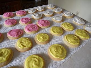 Copycat recipe for Cheryl and Co. sugar cookies with buttercream frosting