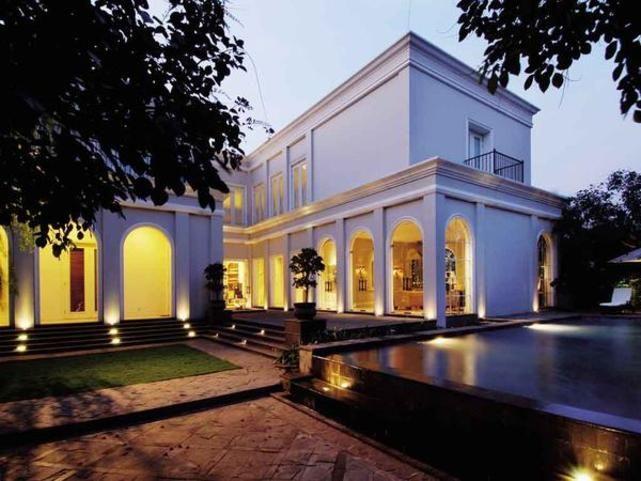 Rumah Modern Klasik yang Ekspresif!