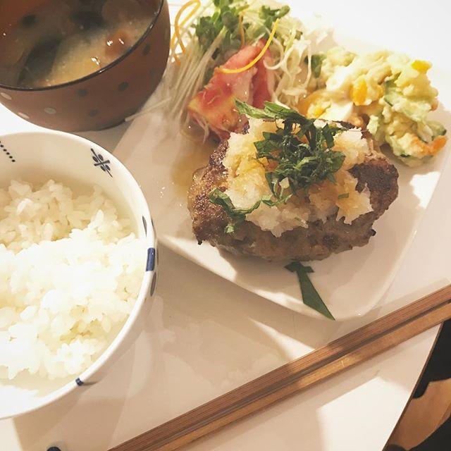 やっぱり肉料理は美味しい! 大根おろしでさっぱり。 #宮崎 #肉  #大根おろし #大葉 #ポン酢  #ポテトサラダ #トマト #なめこ  #味噌汁 #ごはん #新米 #japan  #miyazaki  #food