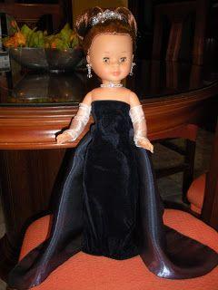 Hola de nuevo, amig@s ! Quería enseñaros mi nuevo trabajito, un vestido de la princesa Anastasia, la desaparecida heredera del último de los...