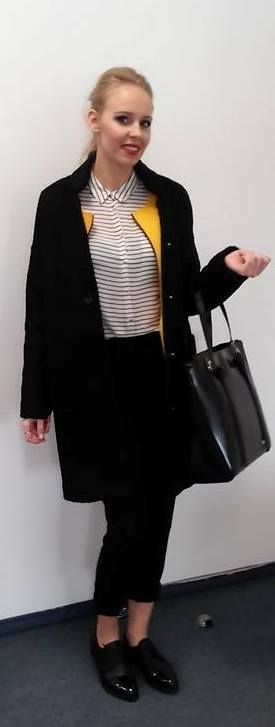 black yellow black bag fashion outfit blonde smile elegant
