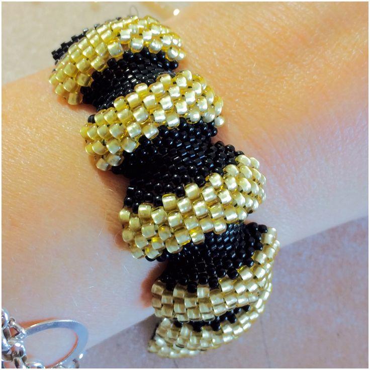 Custom made bumpy bracelet ☀️🍂 www.stopandwearjewelry.no