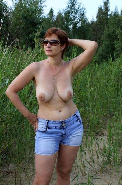 Denise richards pussy slip