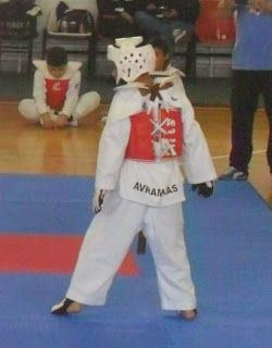 "VASILIS AVRAMIKAS: Πρωτάθλημα TAE KWON DO ""LITTLE FIGHTERS"" ΘΗΒΑ 10/1..."