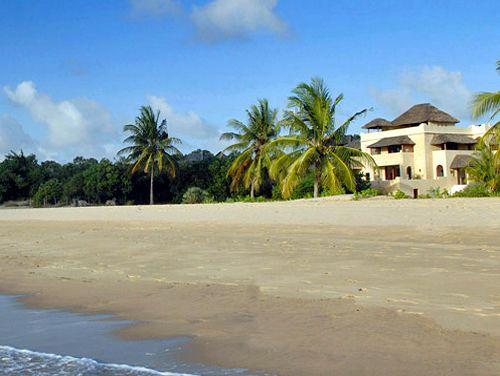 Kizingoni House from the beach